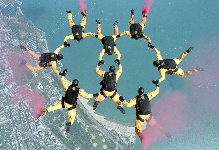 ¿Saltar sin paracaídas?